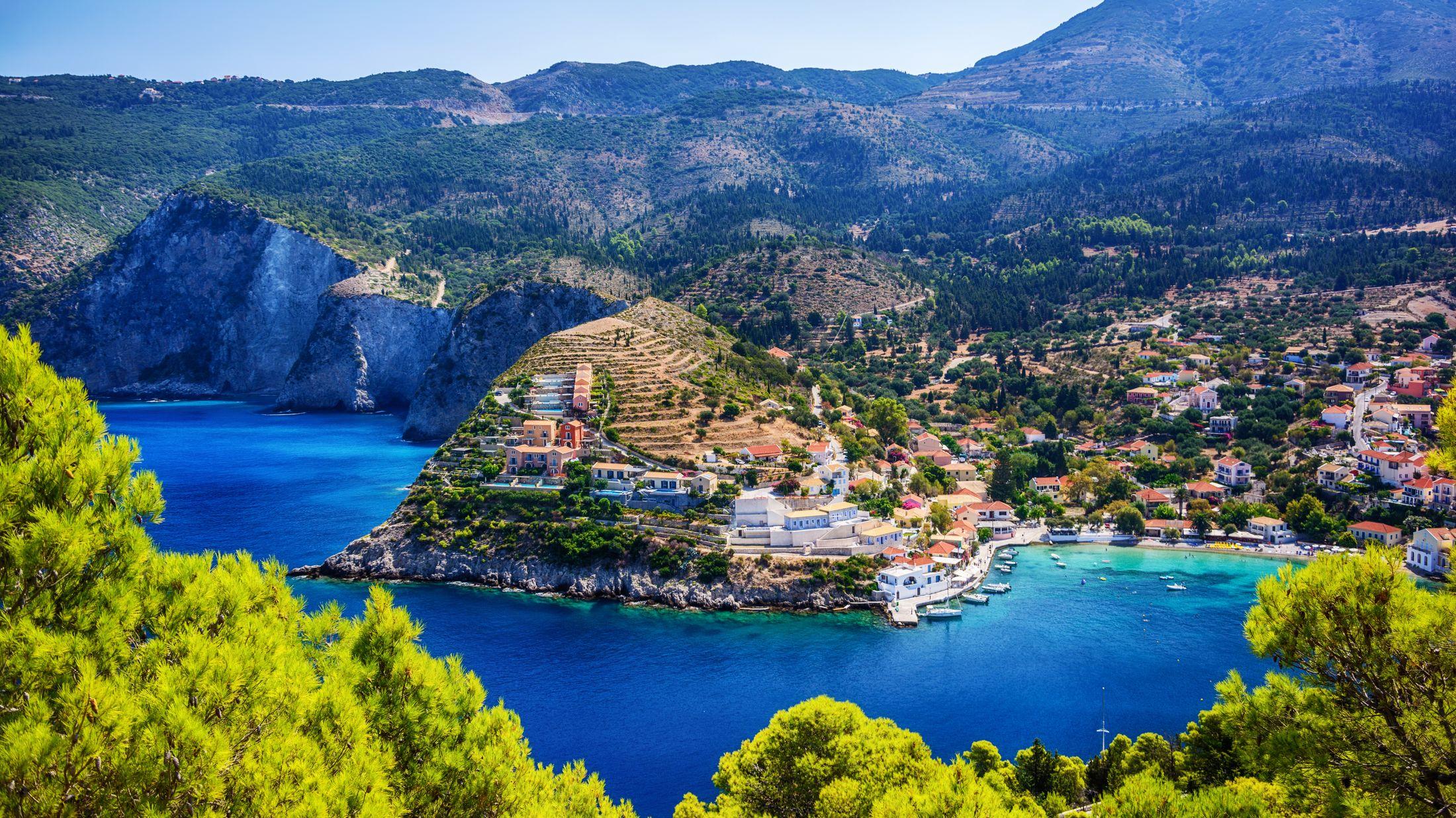 Luxury Holidays 2018 2019 Save 163 100 Sovereign