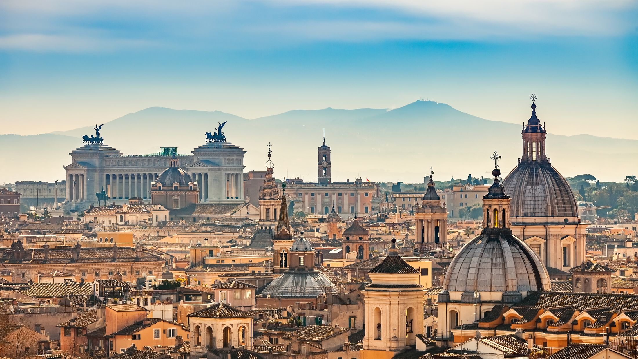 000940-View-from-Castel-Sant-Angelo-Rome-shutterstock-390573763-Hybris