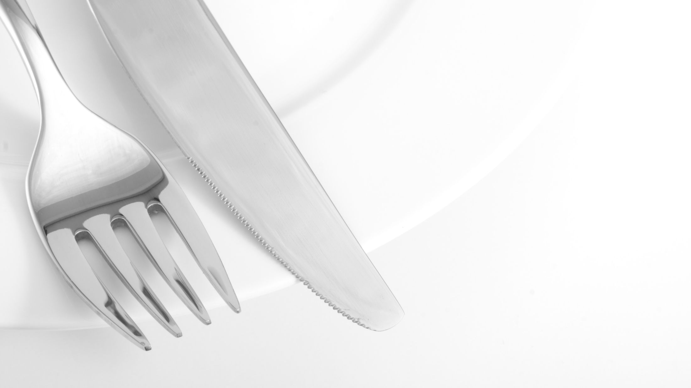 cutlery on a plate; Shutterstock ID 20269036; PO: Sovereign