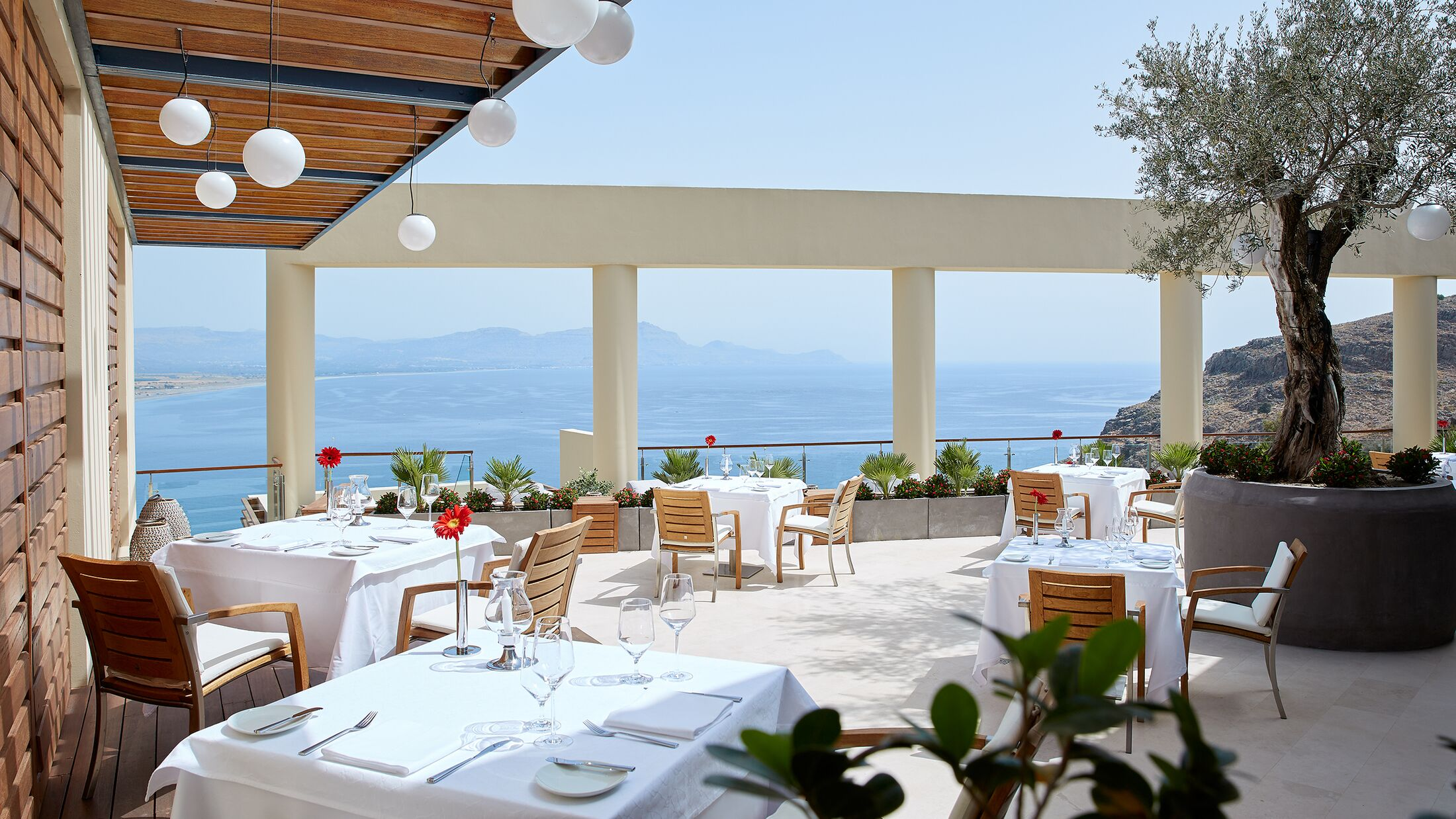 Lindos-Blu-Five-Senses-Restaurant-001-117887-Hybris