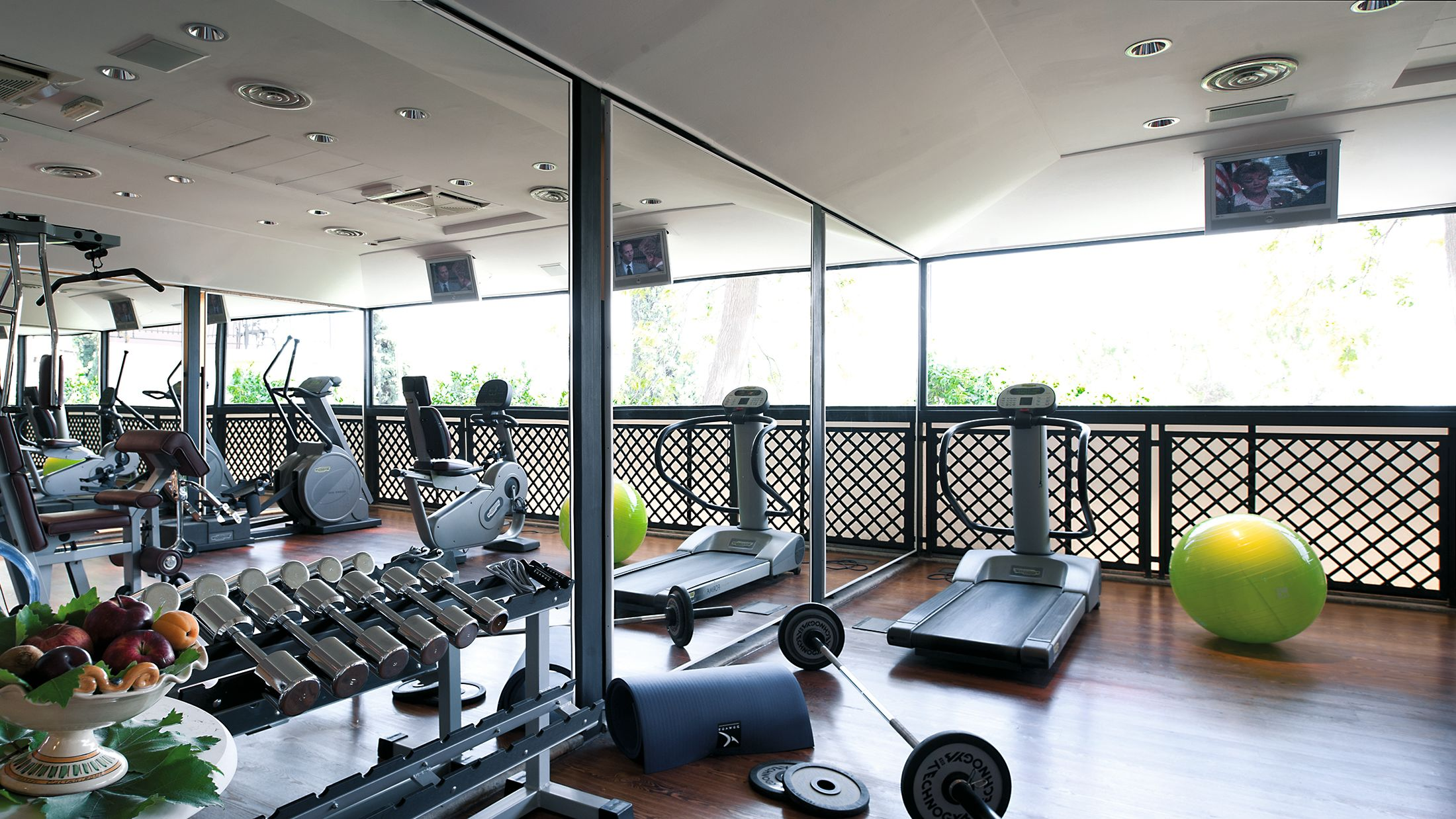 108586-Fitness-Room-001-Hybris